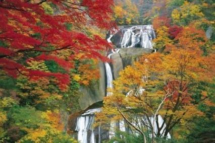10袋田の滝